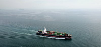 leo-perdana-container-ship-in-ocean-fs-md